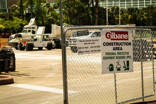 A skilled team from the Gilbane Building Company in Houston prepared for the construction of the tent for more than a year.